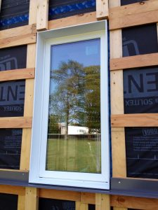 Inline triple pane window